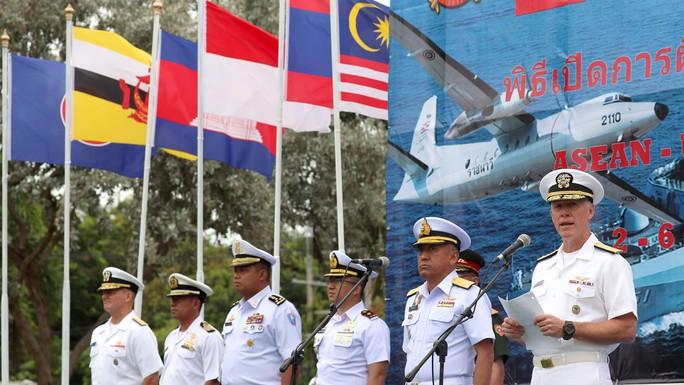 Mỹ - ASEAN tập trận hàng hải chung lần đầu tiên - Ảnh 1.