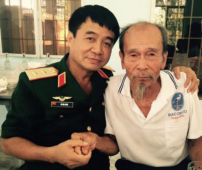 Phi công Nguyễn Văn Bảy - anh hùng bình dị - Ảnh 2.