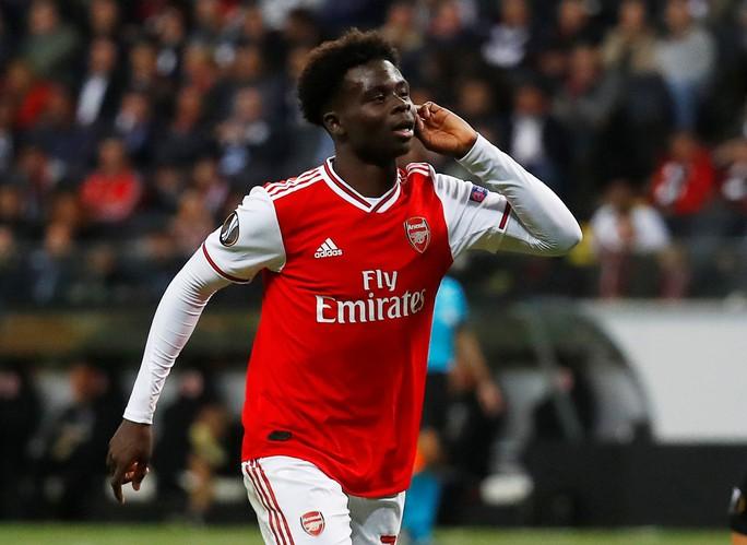 Pháo gầm vang đất Đức, Arsenal đè bẹp chủ nhà Frankfurt - Ảnh 4.