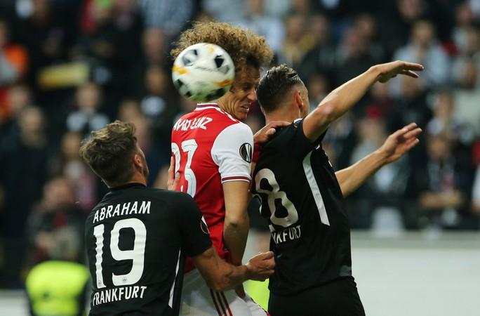 Pháo gầm vang đất Đức, Arsenal đè bẹp chủ nhà Frankfurt - Ảnh 1.