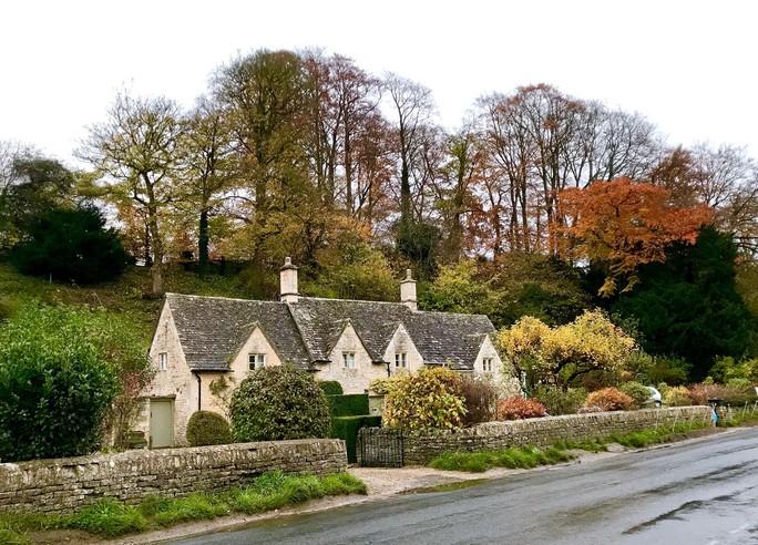 Thăm ngôi làng trên hộ chiếu nước Anh - Ảnh 3.