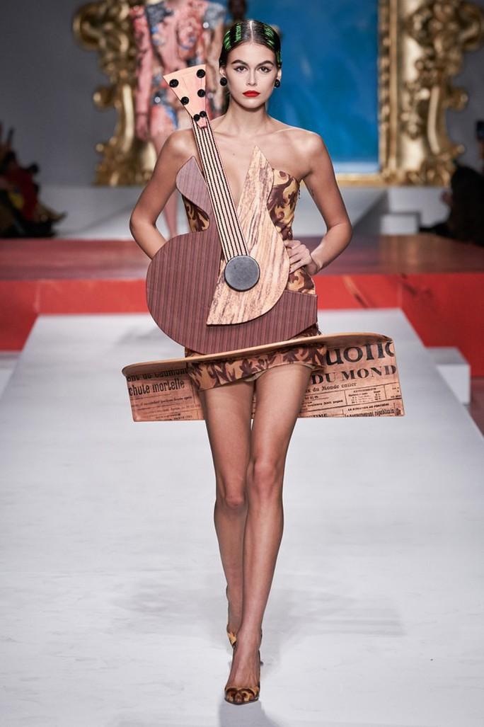 Siêu mẫu Irina Shayk cuốn hút trên sàn diễn thời trang - Ảnh 7.