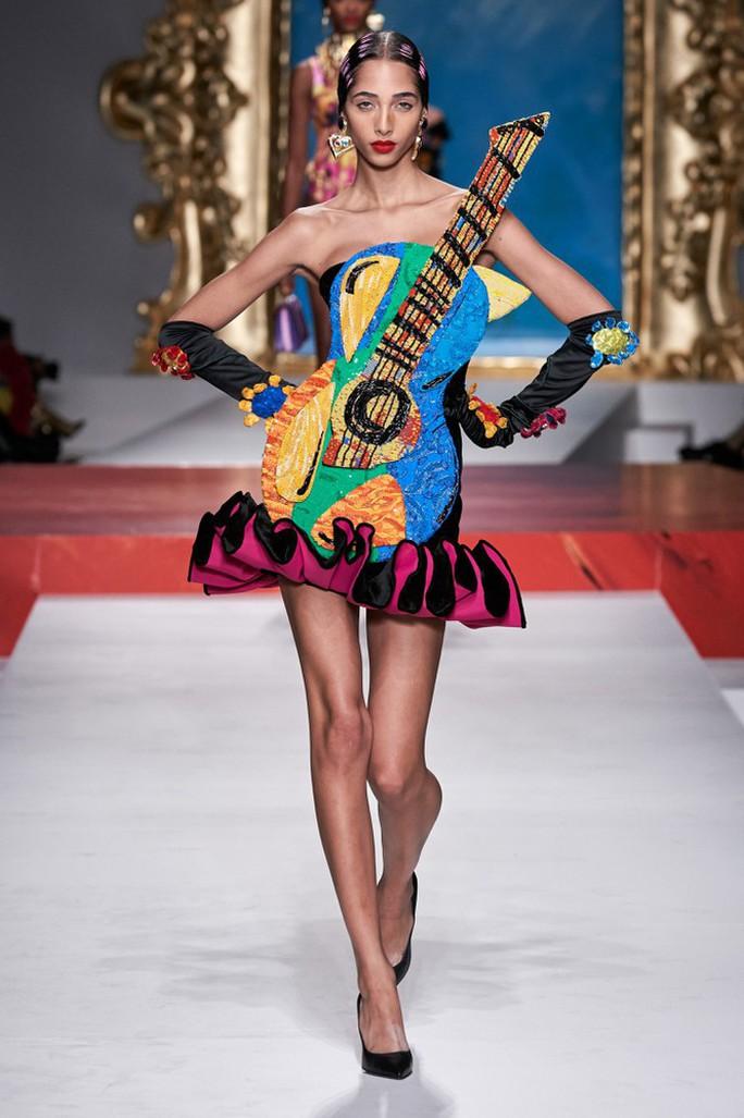Siêu mẫu Irina Shayk cuốn hút trên sàn diễn thời trang - Ảnh 19.