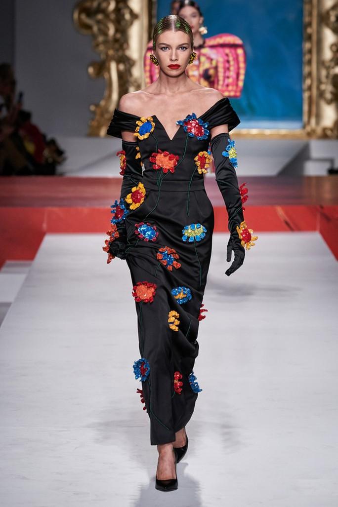 Siêu mẫu Irina Shayk cuốn hút trên sàn diễn thời trang - Ảnh 14.