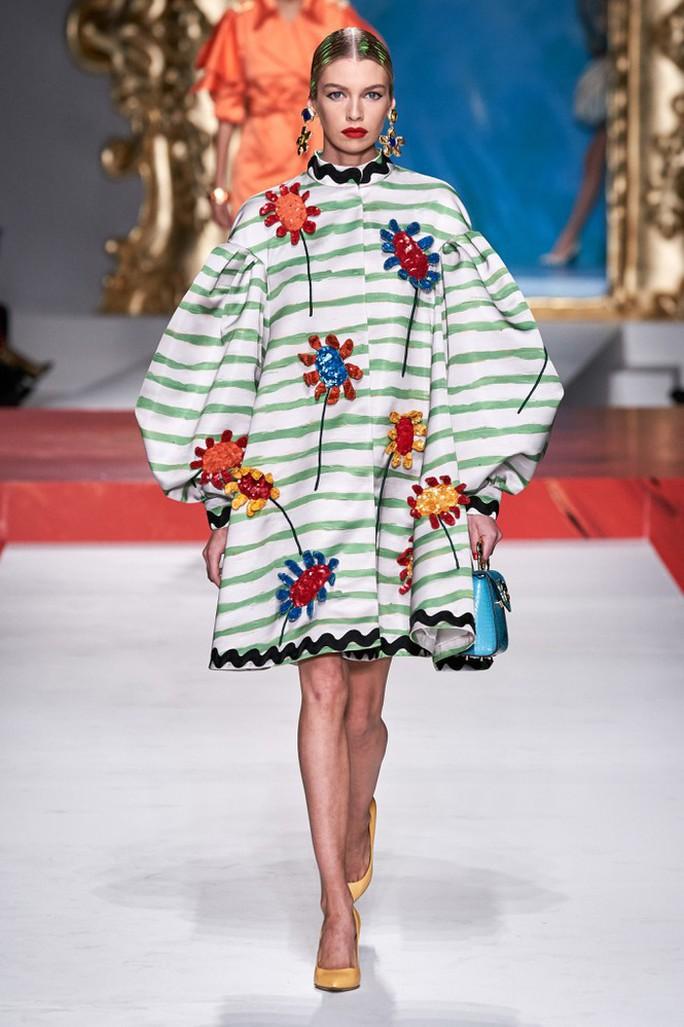 Siêu mẫu Irina Shayk cuốn hút trên sàn diễn thời trang - Ảnh 16.