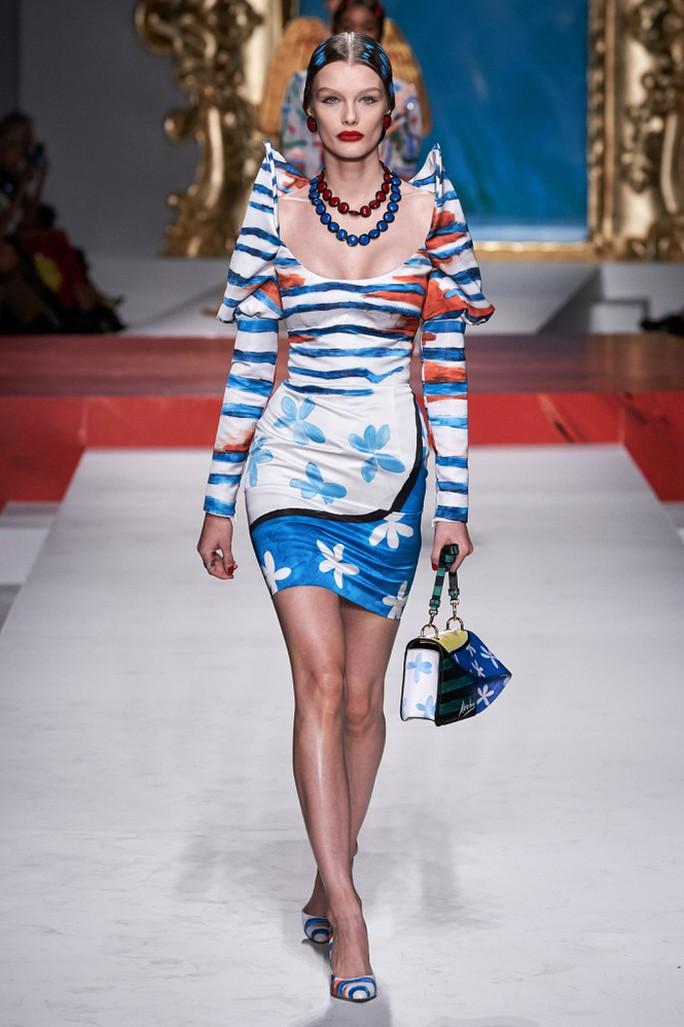 Siêu mẫu Irina Shayk cuốn hút trên sàn diễn thời trang - Ảnh 15.