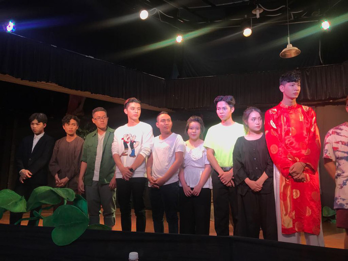 Ca sĩ Phương Thanh khóc nức nở vì Ngôi nhà trên thuyền - Ảnh 5.