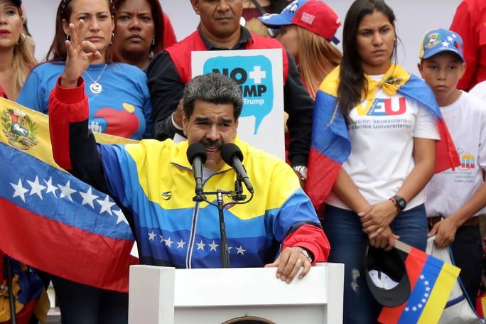 Venezuela: Tỉ lệ lạm phát giảm còn 6 chữ số, ông Maduro chiếm lợi thế - Ảnh 1.