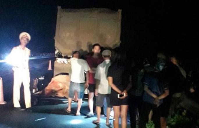 Đi xe máy trái phép trên cao tốc Nội Bài - Lào Cai, 2 thanh, thiếu niên tử vong - Ảnh 1.