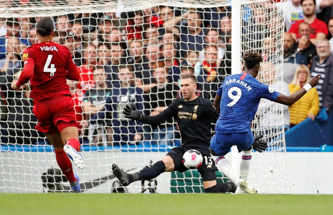 Hạ Chelsea bằng siêu phẩm, Liverpool thách thức cả giải Ngoại hạng - Ảnh 3.