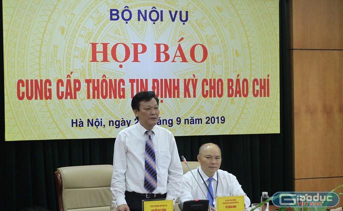 Thứ trưởng Bộ Nội vụ Nguyễn Duy Thăng nhấn mạnh: Bộ Chính trị cho phép tuyển dụng đặc cách không qua thi tuyển với giáo viên hợp đồng trước ngày 31-12-2015