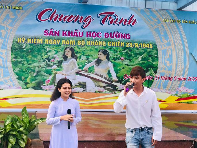 NSND Minh Vương đưa sân khấu lịch sử vào học đường - Ảnh 4.