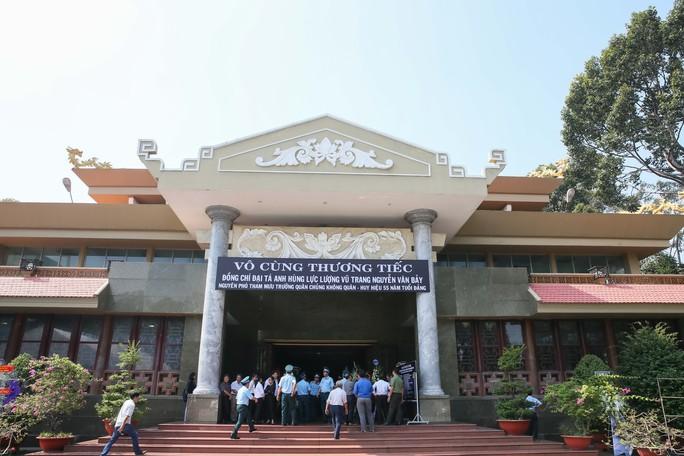 Xúc động lễ viếng đại tá, phi công Nguyễn Văn Bảy - Ảnh 6.