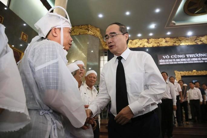 Xúc động lễ viếng đại tá, phi công Nguyễn Văn Bảy - Ảnh 3.