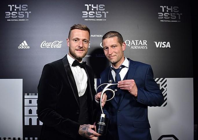 Giải thưởng FIFA Fair-Play 2019 trao nhầm gián điệp Spygate - Ảnh 2.