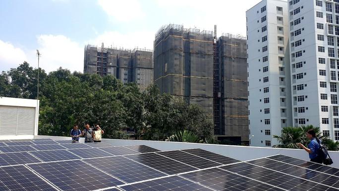 KCN đầu tiên của Bình Dương dùng điện mặt trời theo công nghệ Singapore - Ảnh 1.