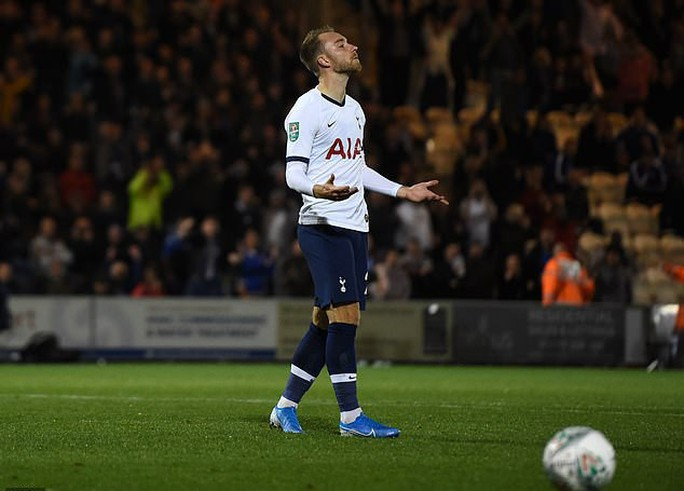 Đội bóng Hạng tư gây sốc ở League Cup, loại Tottenham trên chấm luân lưu - Ảnh 5.