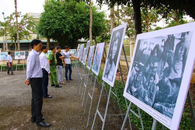 Lễ viếng Đại tá phi công Nguyễn Văn Bảy đang diễn ra tại quê nhà - Ảnh 17.