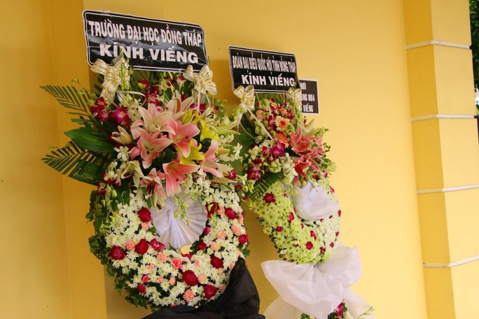 Lễ viếng Đại tá phi công Nguyễn Văn Bảy đang diễn ra tại quê nhà - Ảnh 12.
