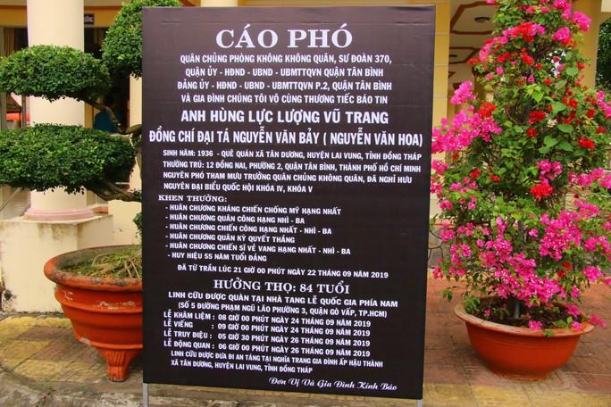 Lễ viếng Đại tá phi công Nguyễn Văn Bảy đang diễn ra tại quê nhà - Ảnh 13.