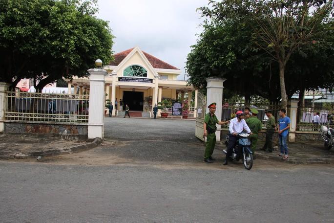 Lễ viếng Đại tá phi công Nguyễn Văn Bảy đang diễn ra tại quê nhà - Ảnh 18.