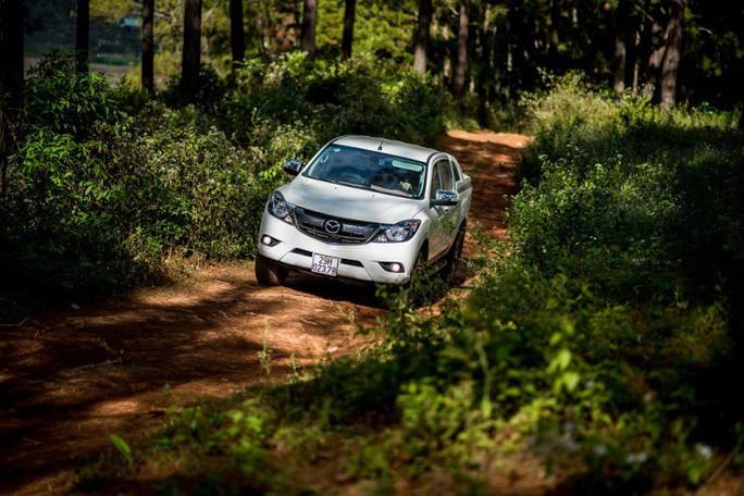 Mazda BT-50 có giá mới: giảm đến 60 triệu đồng  - Ảnh 3.
