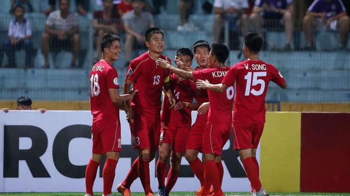 Báo châu Á mô tả trận hòa của Hà Nội FC rất kịch tính - Ảnh 1.