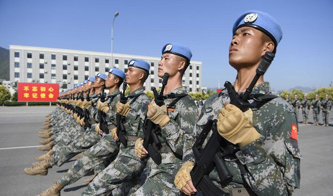 Nhật Bản: Trung Quốc là mối đe dọa lớn hơn Triều Tiên - Ảnh 2.