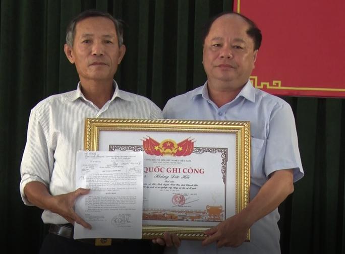 Thủ tướng cấp bằng Tổ quốc ghi công cho nam sinh viên hi sinh khi cứu 3 mẹ con rơi xuống sông - Ảnh 1.
