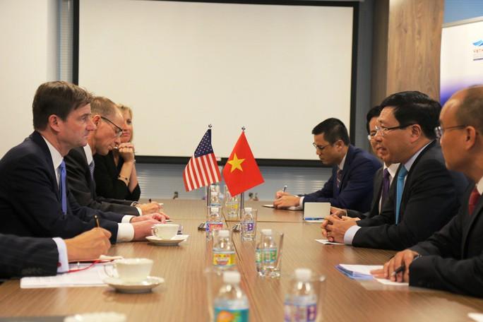 Thứ trưởng Ngoại giao Mỹ nói về an ninh, an toàn hàng hải và hàng không tại Biển Đông - Ảnh 2.
