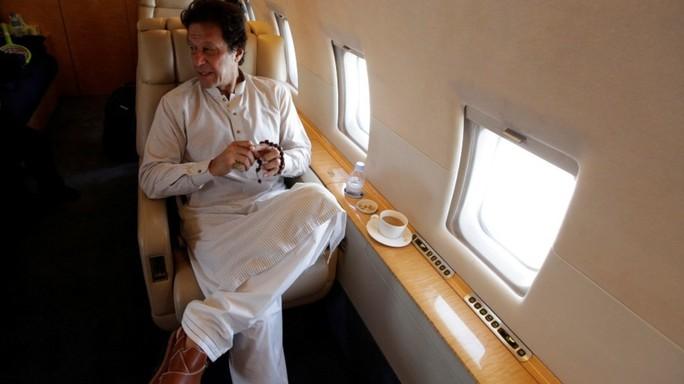 Máy bay chở thủ tướng Pakistan hạ cánh khẩn ở Mỹ - Ảnh 1.