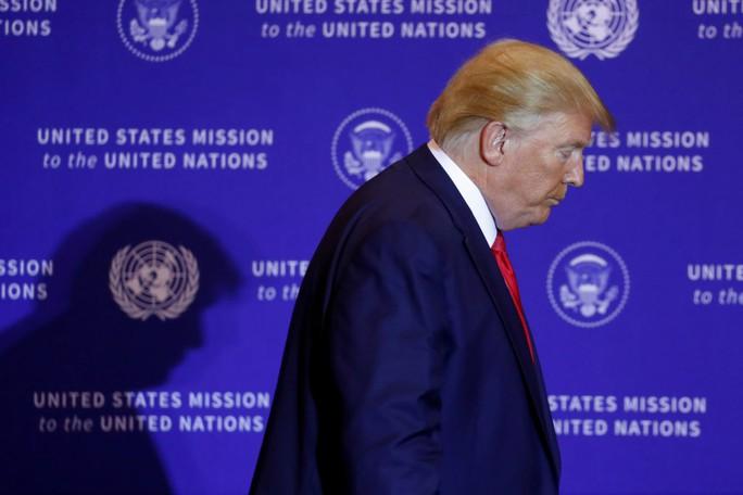 Gần 300 chính khách Mỹ ủng hộ luận tội Tổng thống Trump - Ảnh 2.