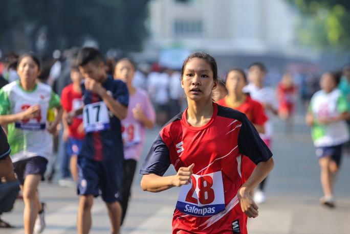 Gần 1.500 VĐV tham gia Giải chạy Báo Hà Nội Mới mở rộng lần thứ 46 - Ảnh 10.