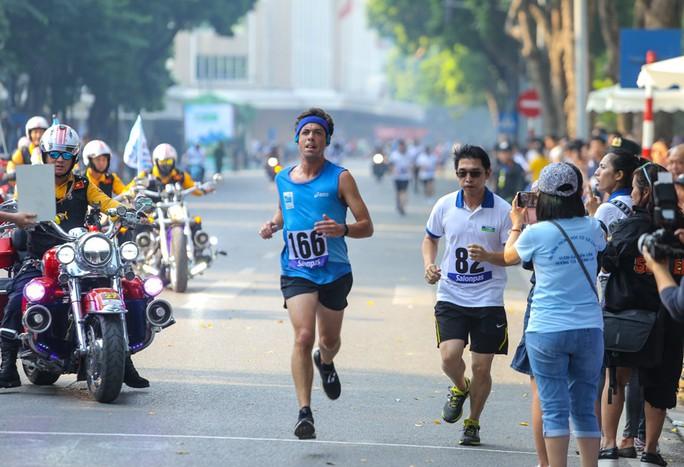 Gần 1.500 VĐV tham gia Giải chạy Báo Hà Nội Mới mở rộng lần thứ 46 - Ảnh 11.