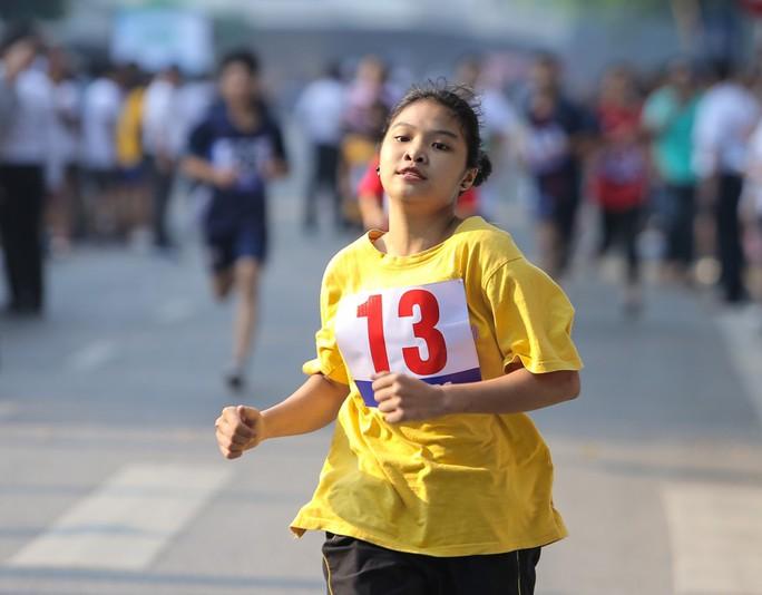 Gần 1.500 VĐV tham gia Giải chạy Báo Hà Nội Mới mở rộng lần thứ 46 - Ảnh 12.