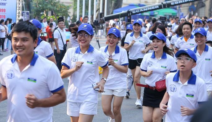 Gần 1.500 VĐV tham gia Giải chạy Báo Hà Nội Mới mở rộng lần thứ 46 - Ảnh 13.