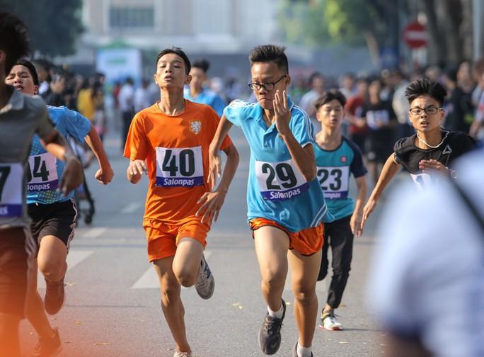 Gần 1.500 VĐV tham gia Giải chạy Báo Hà Nội Mới mở rộng lần thứ 46 - Ảnh 14.