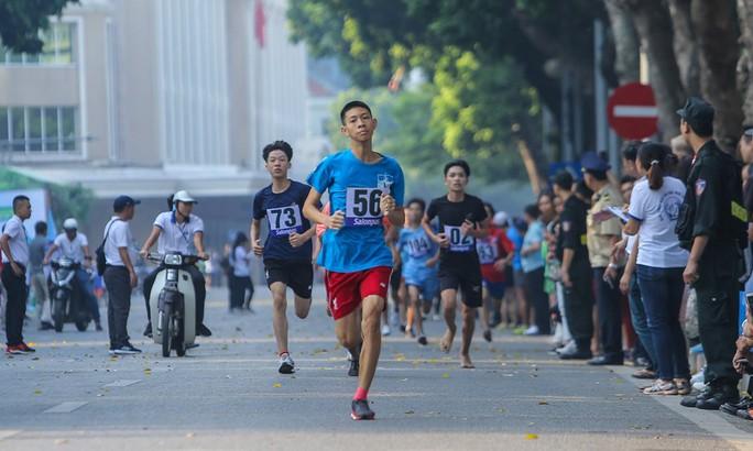 Gần 1.500 VĐV tham gia Giải chạy Báo Hà Nội Mới mở rộng lần thứ 46 - Ảnh 15.