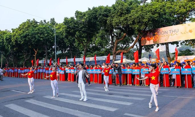 Gần 1.500 VĐV tham gia Giải chạy Báo Hà Nội Mới mở rộng lần thứ 46 - Ảnh 3.