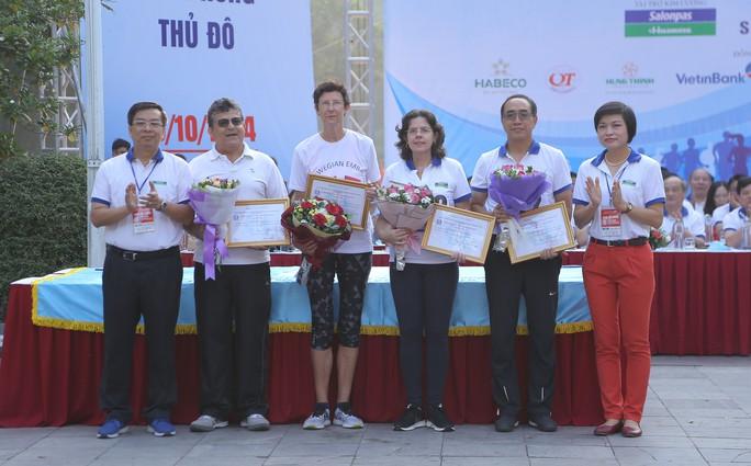 Gần 1.500 VĐV tham gia Giải chạy Báo Hà Nội Mới mở rộng lần thứ 46 - Ảnh 5.