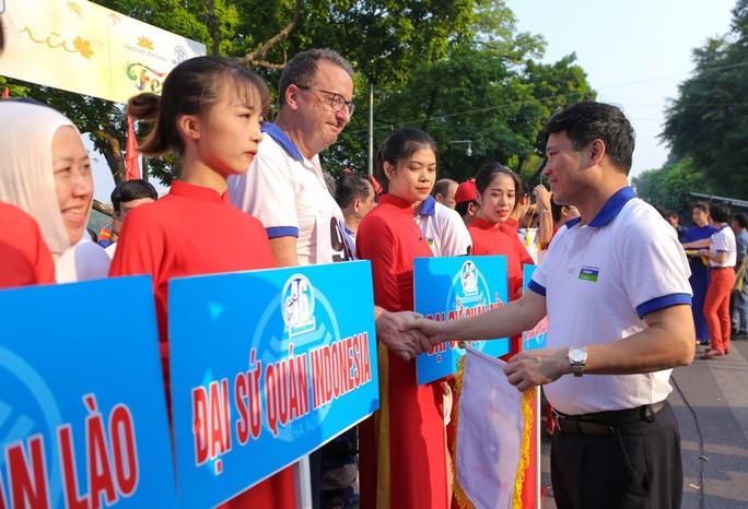 Gần 1.500 VĐV tham gia Giải chạy Báo Hà Nội Mới mở rộng lần thứ 46 - Ảnh 7.