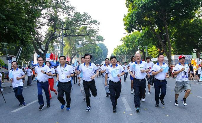 Gần 1.500 VĐV tham gia Giải chạy Báo Hà Nội Mới mở rộng lần thứ 46 - Ảnh 9.