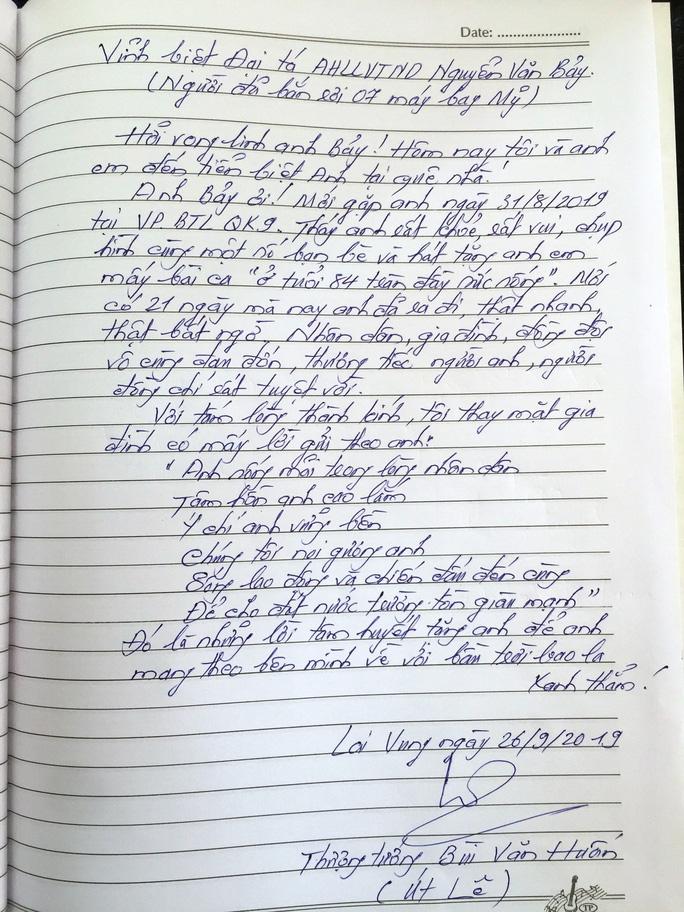 Xúc động những dòng chữ trong sổ tang Anh hùng phi công - Đại tá Nguyễn Văn Bảy - Ảnh 6.