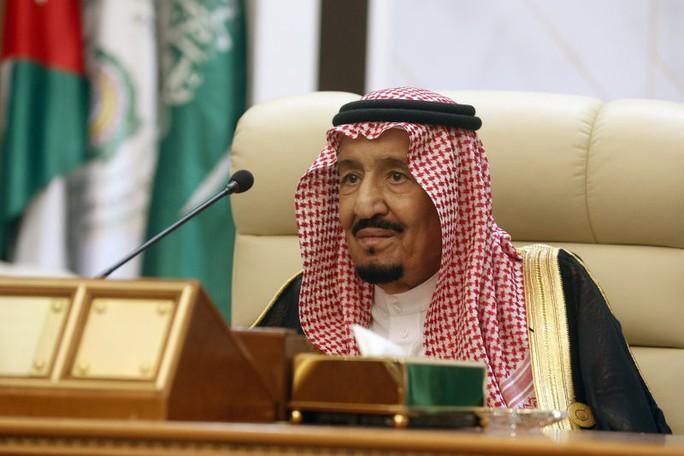 Truyền thông Saudi chấn động vì vệ sĩ của nhà vua bị bắn chết - Ảnh 1.