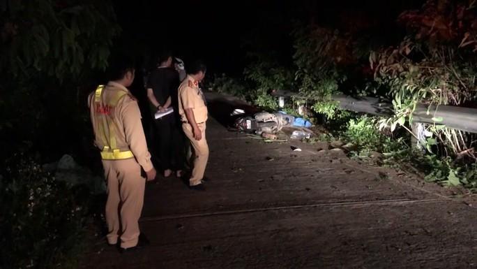 Một du khách bị tai nạn tử vong khi tham quan bán đảo Sơn Trà - Ảnh 1.