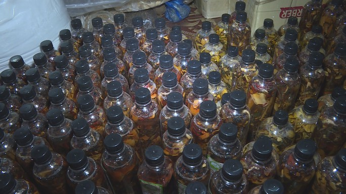 Tự pha chế hàng trăm sản phẩm dược thảo, mỹ phẩm để bán - Ảnh 2.