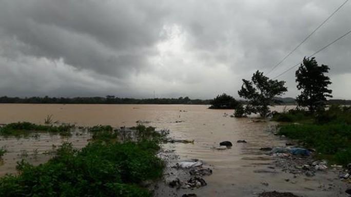 Trường học tan hoang vì lốc xoáy, hơn 2.600 học sinh phải nghỉ học do mưa lũ - Ảnh 4.