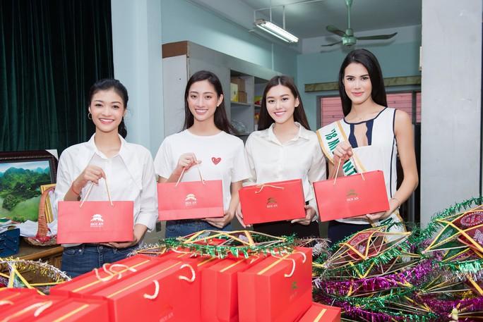 Bất ngờ với nhan sắc hoa hậu Lương Thùy Linh ở đời thường - Ảnh 3.