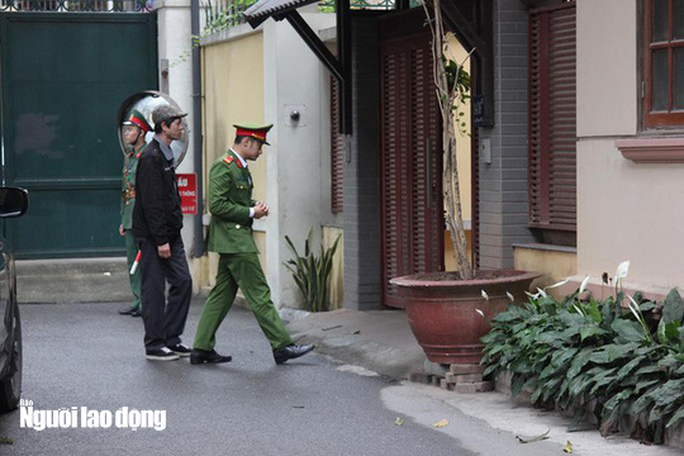 Đối chất với cựu Bộ trưởng Nguyễn Bắc Son, con gái bác bỏ nhận 3 triệu USD từ bố - Ảnh 2.