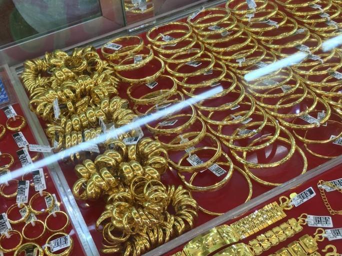 Giá vàng SJC giảm sâu về 41,4 triệu đồng/lượng - Ảnh 1.
